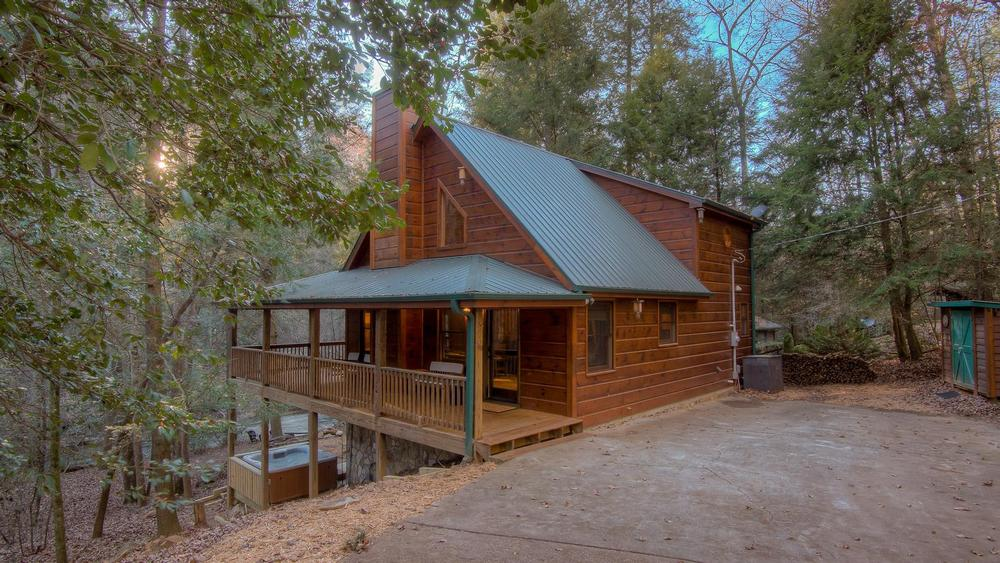 falls welcome rental mountain nc stone cabins vacation fleetwood throw rentals s bungalow at new to ga